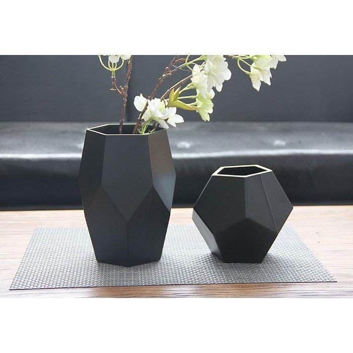 【現貨】(無孔可水耕) 黑色幾何玻璃花盆 樣品屋 新屋 裝潢 插花
