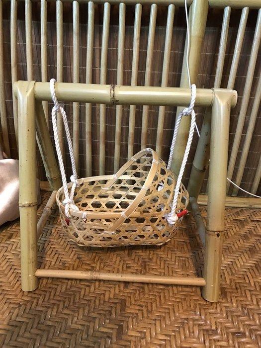 S01/BC80擺飾小嬰兒竹編床及小搖籃架
