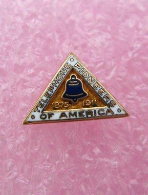 【戴大花2】Vintage-貝爾電話公司的紀念勳章 1875~1911 10K鍍金 古董收藏品 #G56