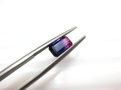 【Texture & Nobleness 低調與奢華】100%天然無處理 優質精品 雙色彩色藍寶石 1.65克拉