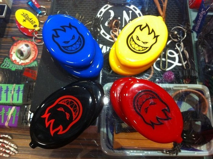 { POISON } SPITFIRE ANTI-HERO KROOKED COIN POUCH 滑板品牌橡膠零錢盒