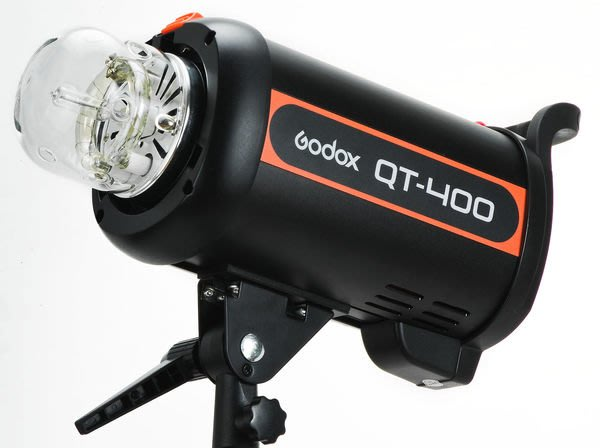 呈現攝影-Godox 新QT-400 高速閃光燈 棚燈 400W GN65 高速攝影/連拍 回電快 USB控制 公司貨