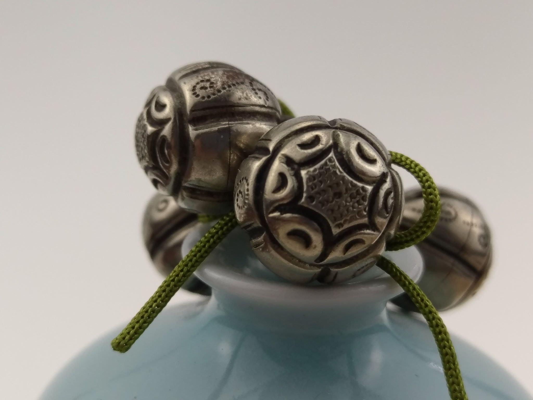「糖巷老銀飾」蓮子風捲葵紋銀雙圈鈕釦一組