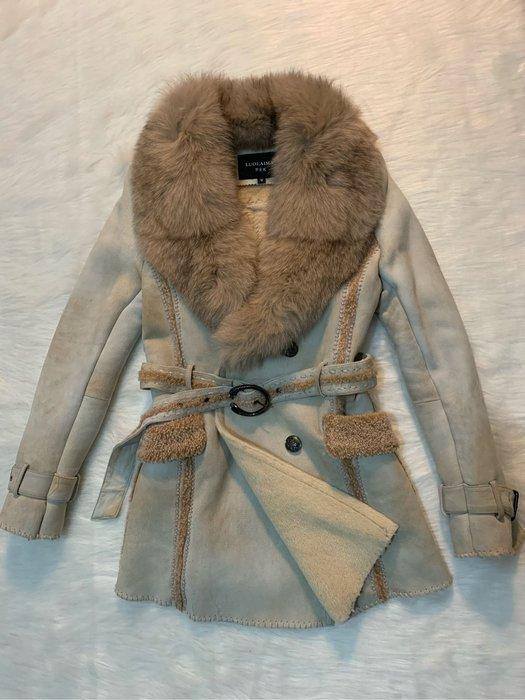 狐狸毛皮草外套