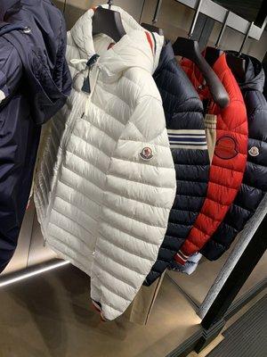 MONCLER 男款 白色羽絨外套 台灣專櫃46100 國外連線 預購