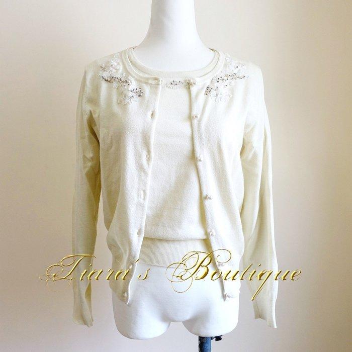 LAISSÉ PASSÉ 日本女主播系淑女品牌 米白針織衫組合 上衣+罩衫 衣櫃常備款 珠串珍珠裝飾 (426、427)