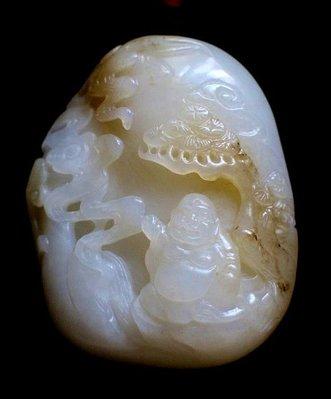 諸羅山人~~~羊脂白籽玉山子松下彌勒 無限期保證。產地:新疆,重95公克