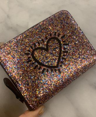 全新 美國購回 COACH 2019限量聯名合作 紐約 Keith Haring 亮片愛心短夾 狗狗 犬 BARKING DOG 有零錢袋 保證正品