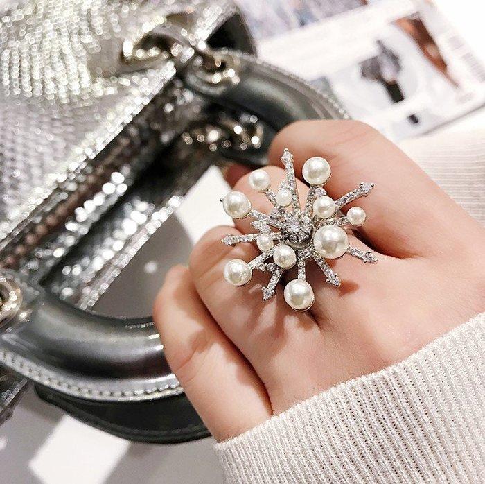 乾一ins冬季新款時尚女士戒指大小珍珠雪花網紅食指戒 璀璨煙花指環