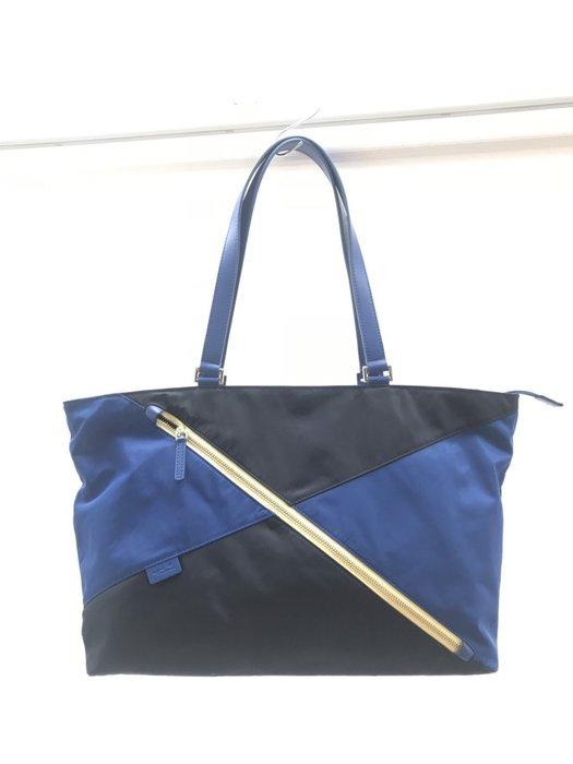 《十九號二手屋》法國 Agnes b.voyage 小b 寶藍色極簡風前斜拉鏈造型肩背尼龍托特包 *全新品*