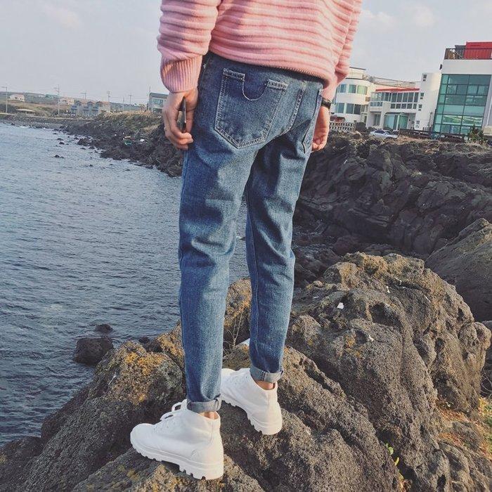 頹廢元素 - A U口袋剪裁 小腳牛仔褲 零碼出清不退換。
