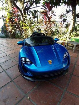 全新藍色法拉利兒童電動車