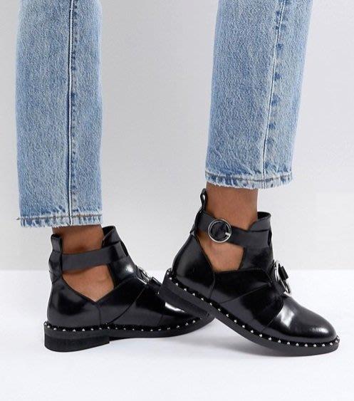 ◎美國代買◎ASOS鉚釘點點裝飾圓圈金屬與皮帶裝飾鏤空靴筒英倫時尚金屬圈鉚釘裝飾鏤空靴筒踝靴~歐美街風~大尺碼