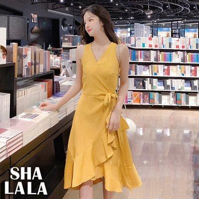 SHA LA LA 莎菈菈 韓版V領無袖一片式不規則收腰綁帶荷葉邊連衣裙洋裝2色(S~L)2019031409預購款
