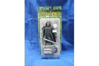 TOY BIZ 魔戒 魔戒現身 神行客 LORD OF THE RINGS STRIDER WITH SWORD-SLASHING (LOTR-81381)