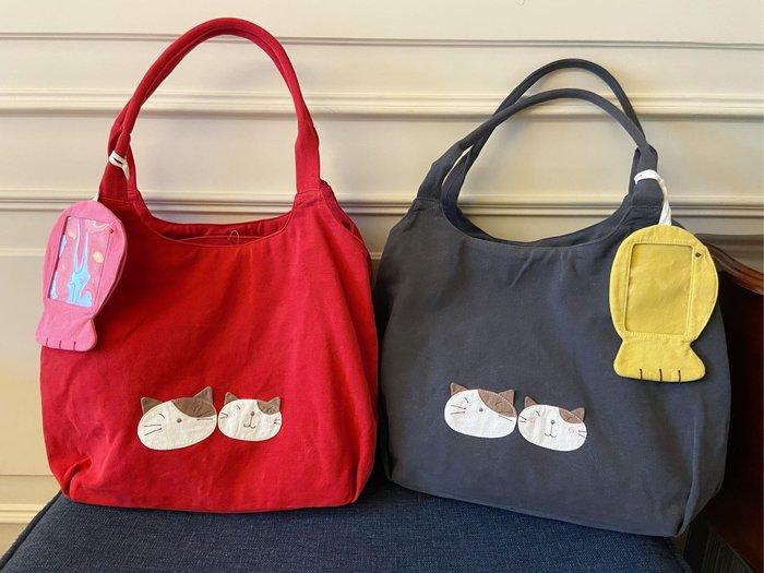 日本卡拉貓~GonPon醬大容量帆布側背包 肩背包