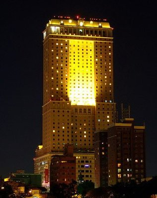 高雄漢來大飯店~市景精緻家庭3 人房住宿ㄧ晚 , 平假日皆免加價 , 含早餐一客 + 三人三溫暖