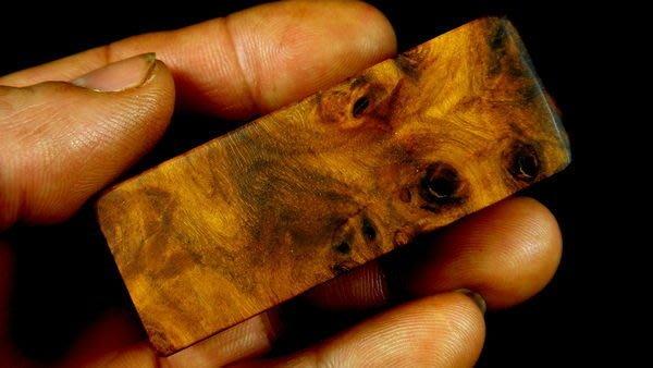 [福田工藝]千年神木硯木瘤把玩印章/重油脂木質堅硬如硯石[入水急沉]8分45.5g[硯印9]