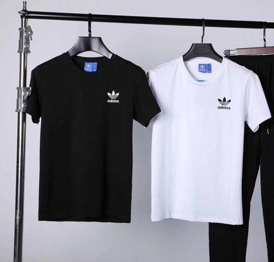 新款Adidas 印花小標阿迪 阿迪達斯 現貨經典Logo 短袖T恤 男女同款 圓領 短T 情侶款 潮T 短袖 小三葉草
