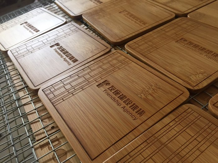 竹藝坊~CCT手工竹杯墊,木杯墊,木牌邀請卡。簡約風格吊牌.客製化明信片!可雷射雕刻!