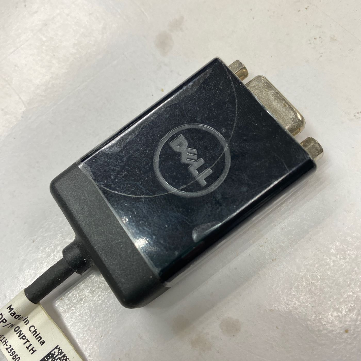 HDMI To VGA Dell 戴爾原廠貨。膠膜餵未。撕開未使用過