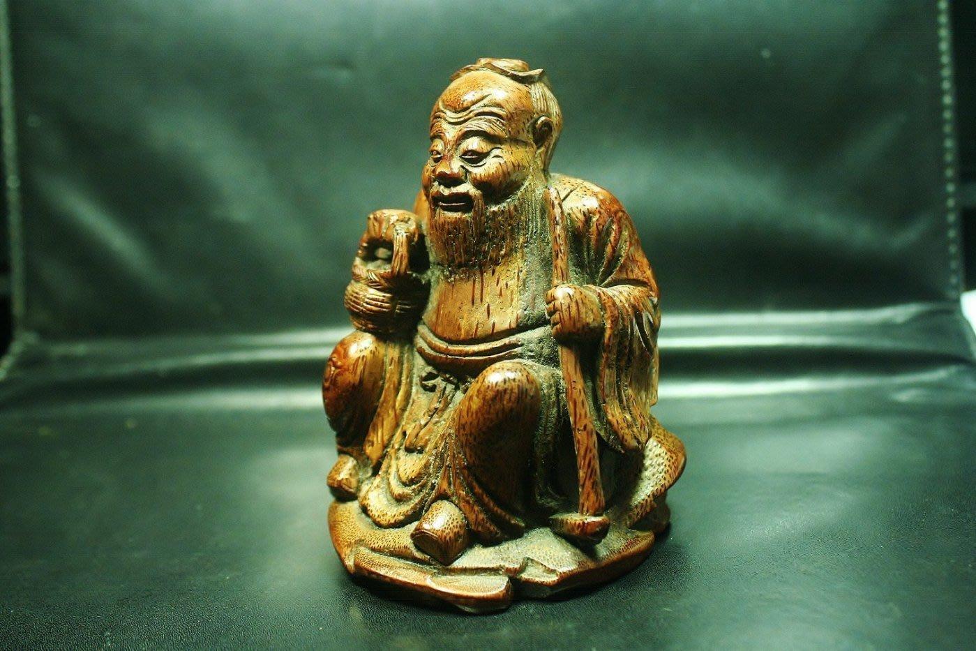 【竹雕館】~    清中期老竹雕 小把件 採芝老人 私房玩具 9公分