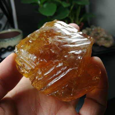 [友克鑫礦業]34約重150g琥珀色黃方解石Calcite蜜糖色霰石Aragoni原礦 晶簇 晶塊 晶柱 水晶柱 水晶簇