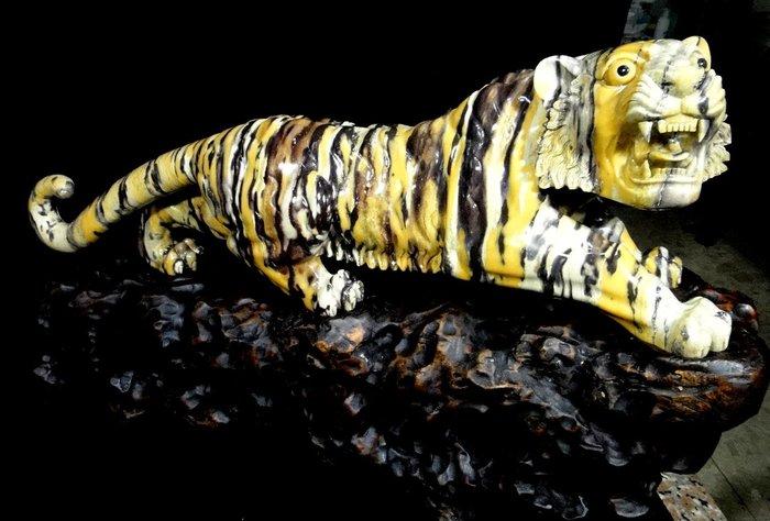 [福田工藝]青田虎皮石擺件圓彫/森林之王/巧色巧雕材質溫潤質地通灵淨重8.7公斤[代拍阿西狗典藏]
