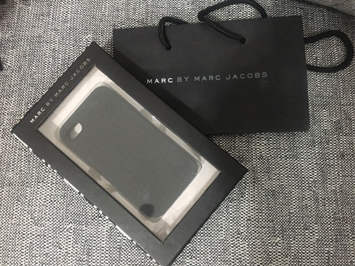 Marc by Marc Jacobs 黑色 經典字母 手機殼 保護殼 背蓋 IPhone4 / 4S 附紙袋