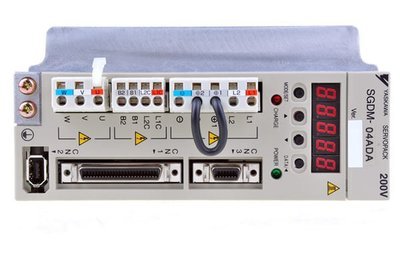 【KC.PLC_FA 】SGDM-04ADA  YASKAWA 伺服馬達驅動器 400W