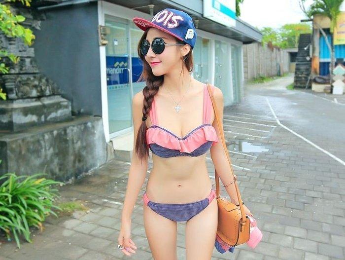 {Co Co S}全新轉售 韓版顯瘦深V荷葉邊造型bikini比基尼三件組  泳衣 泳裝 現貨