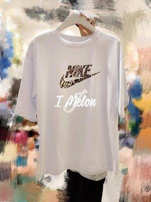 ::: i-MelOn :::100%韓國空運 正韓【現貨】豹紋勾勾風五分袖T恤上衣※白