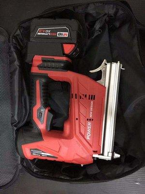 【大寮工具】米沃奇 含轉接器 不含電池 422 電動釘槍 充電釘槍 木工釘槍 氣動釘槍 直釘槍 板模專用