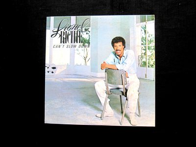絕版黑膠唱片----LIONEL RICHIE----CAN'T SLOW DOWN----1箱