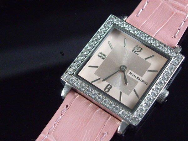 艾曼達精品~瑞士機心台灣精品royal marshal香耐耳風正方型水晶鑽石英錶帶寬16mm粉色標