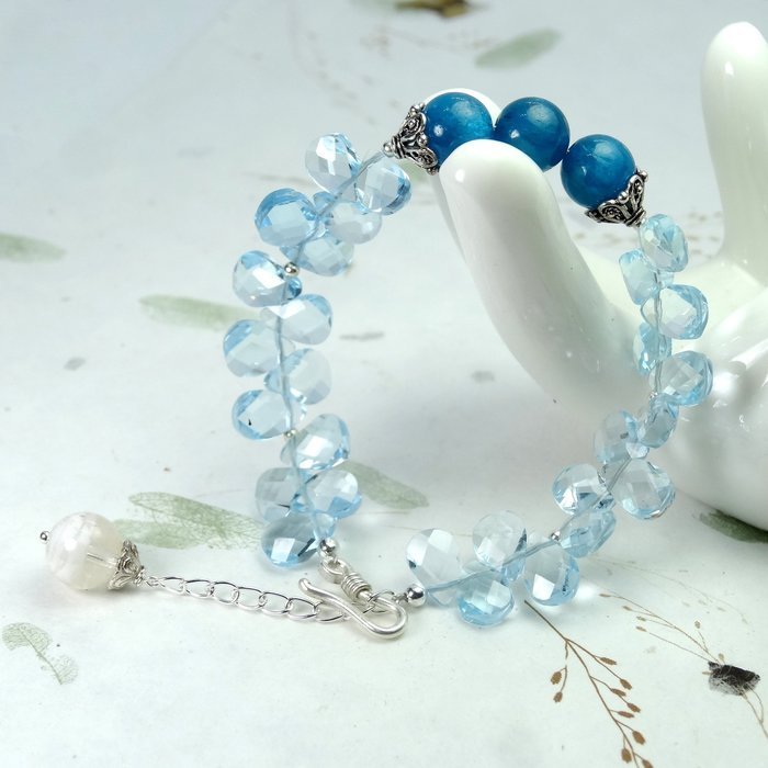 【善觀手作精品】手鍊 藍 拓帕石 藍磷灰石 白幽靈水晶 手珠 925銀飾 寶石 設計 手工 手創 飾品 首飾