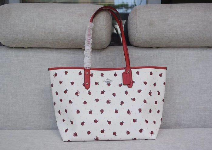 美國名品折扣店~ 特賣 COACH 2991 新款瓢蟲圖案托特包 雙面子母包 女式手提包 購物包 媽咪包