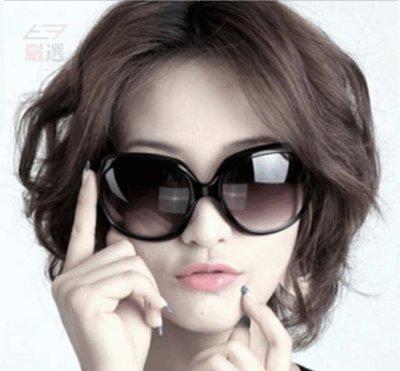 【T3】韓國熱銷款 女生太陽眼鏡 三個免運 亮黑色(附眼鏡盒) 女款眼鏡 墨鏡 遮陽 經典休閒款 日韓街拍 【I08】