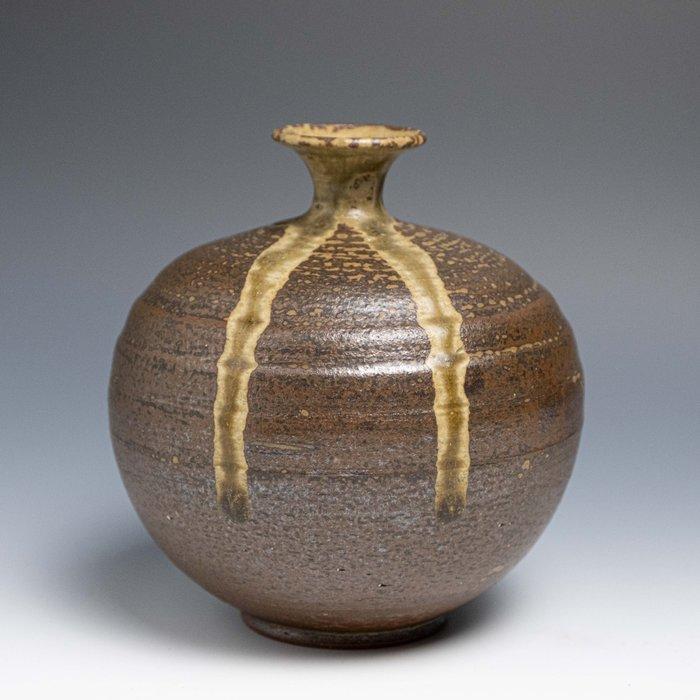 【吳苑】 常滑燒 作家物 灰釉 花入 花器 花瓶 日本 古美術 茶道具 花道具 書道具 AN0396