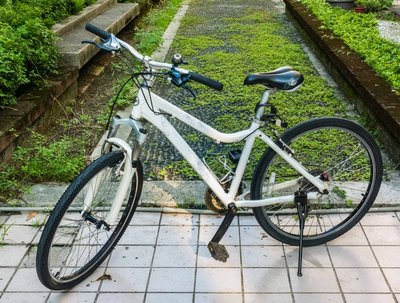 二手新中古:捷安特GIANT JOLLI 白色藍綉花 經典腳踏車26吋 全鋁合金 24段變速 女仕車/休閒車