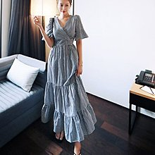 韓國 韓系 短袖洋裝 長裙892  /優雅格紋交叉V領長款荷葉邊中袖大擺連衣裙  NE513 胖胖美依