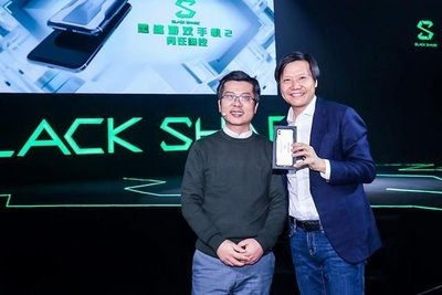 熱賣點小米 MI 黑鯊手機2 Black Shark 2代 s855 6/8/12 128/256 遊戲手機    生為競技 黑/銀