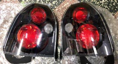 HOND 喜美六代 CIVIC K8 3門 後燈 96-00年 三門 改IS樣式 黑底 尾燈 (有刮痕)【各式汽車材料】