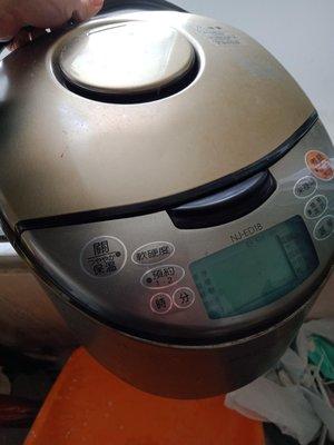 大媽桂二手屋,MITSUBISHI三菱變頻IH電子鍋1.8L,10人電子鍋,NJ-ED18,日本製造,含5層鋼厚釜內鍋,煮出香Q米飯,建議更換新的內鍋