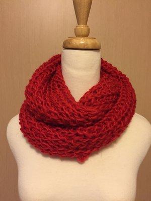 全新/大紅色針織圍巾