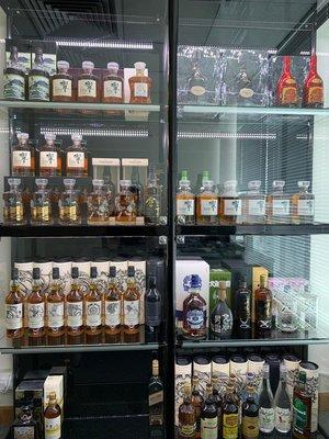 響17年日本威士忌展示櫃歡迎訂造