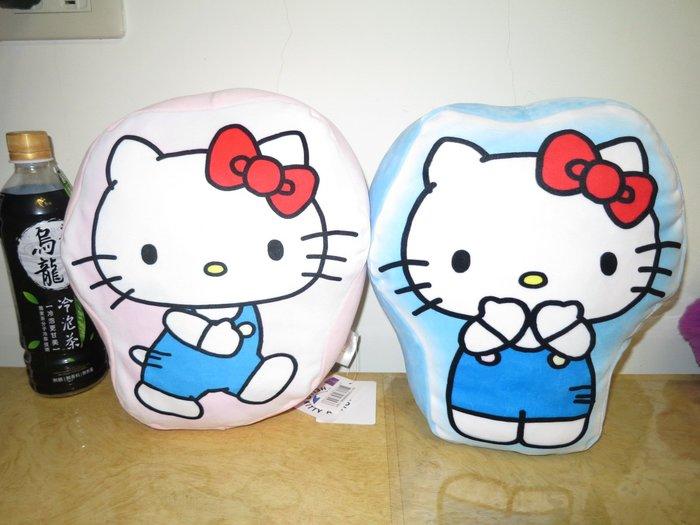 ///可愛娃娃///~中型10吋正版KITTY凱蒂貓2D玩偶抱枕2款~午安枕~QQ超軟有彈性~生日禮物---約26公分