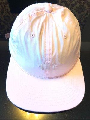 OBEY 粉色棒球帽