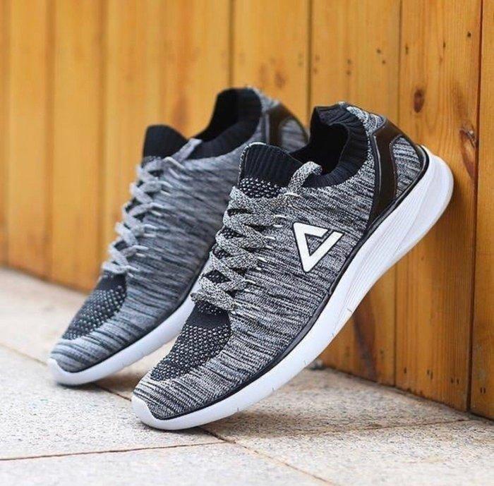 PEAK 慢跑鞋 襪套式設計 黑白 E72238H 女款 I23 亮禹體育PEAK台灣經銷商