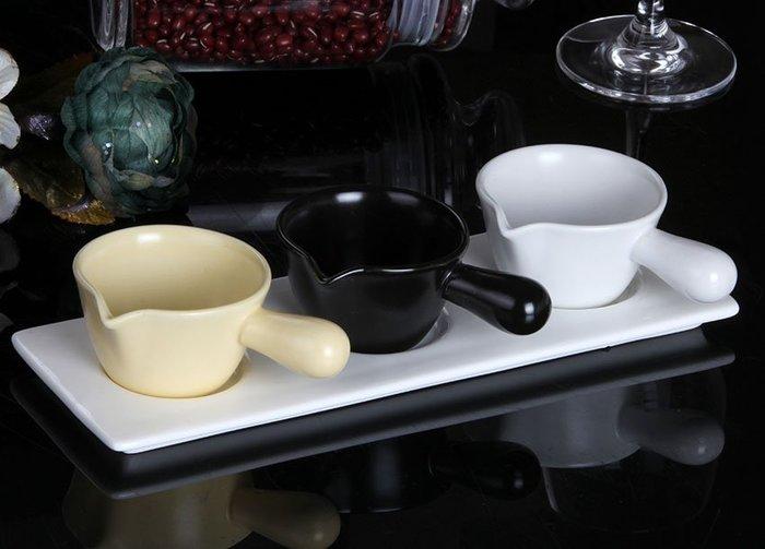 【無敵餐具】強化骨瓷西式單柄醬料杯(80cc/7x4.3cm)醬料碟勺子番茄沙拉調味碟 量多歡迎詢價【A0013】